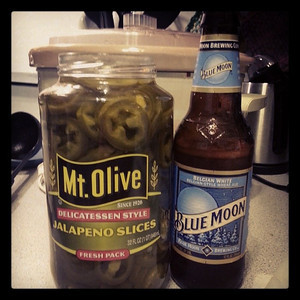Does anyone know the proper jalapeño to beer ratio for a white chicken chili dinner? via Instagram http://instagram.com/p/imvCY7GFNc/