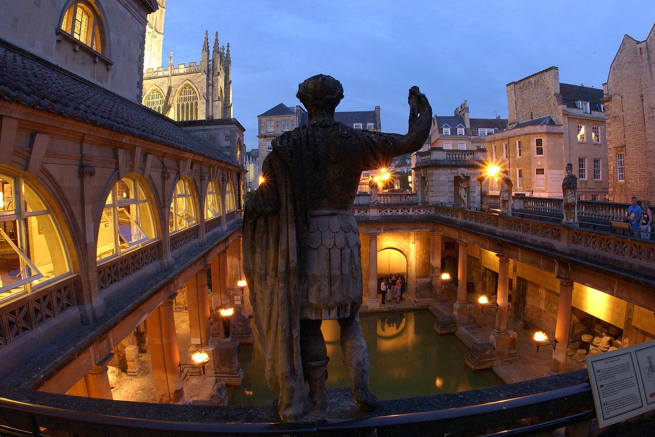 ROMAN BATHS AND PUMP ROOM: Great Bath