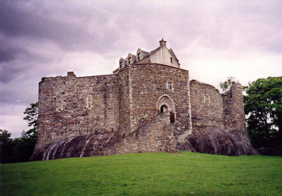 Dunstaffnage Castle, Scotland...property of Robert the Bruce.