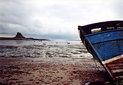 Low tide at Holy Island ( Lindisfarne ).