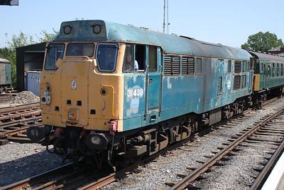 31438 arrives from Coppersale into North Weald station  27/05/12.