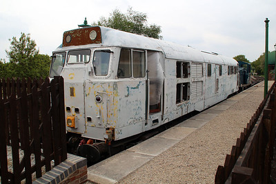 Class 31438/31538 in undercoat at North Weald Station    19/05/13