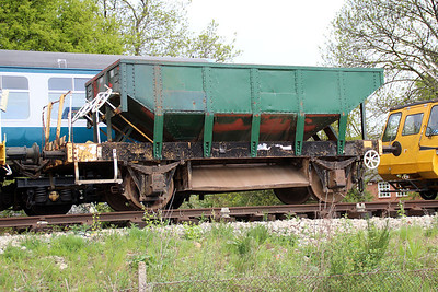 UID/unnumbered Dogfish DB9xxxxx in North Weald Sidings   19/05/13.