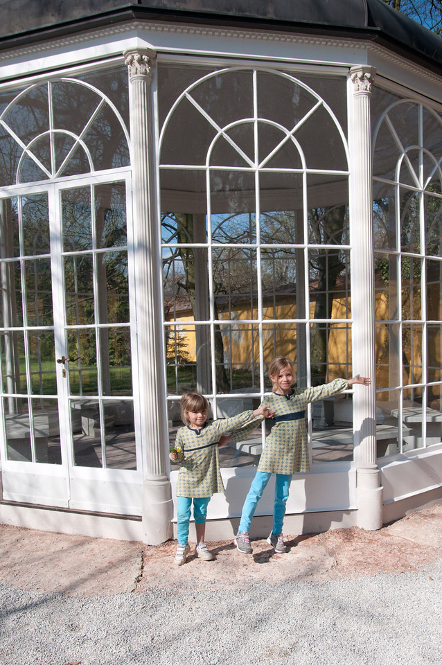 Elisabeth and Charlotte singing in front of the gazebo.