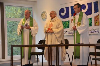 Fr. John van den Hengel, Fr. José Ornelas Carvalho and Fr. Heiner Wilmer were the main celebrants of the closing mass.