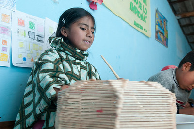 Evylyn, children's group El Tambo