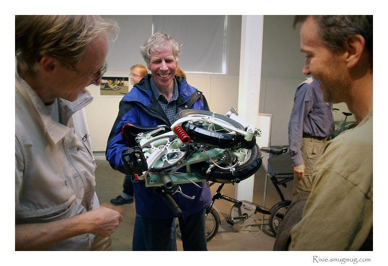 Cykeln är serverad! Frog hopfällbar cykel av R&M.