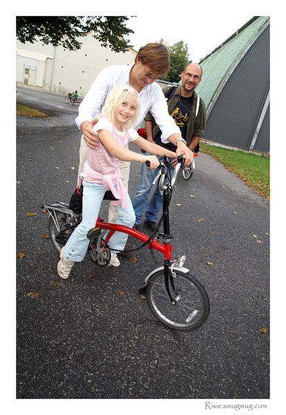 En vikingtjej på en VIKingcykel