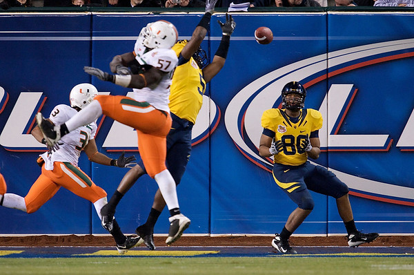 27 December 2008:  California Golden Bears tight end Anthony Miller (80) catches the game winning touchdown during the second half of the Golden Bears' 24-17 victory over the Miami Hurricanes in 2008 Emerald Bowl at AT&T Park in San Francisco, California.