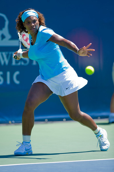 31 July 2009:  Serena Williams (USA) during her 2-6, 6-3, 2-6 loss to Samantha Stosur (AUS) in their singles match at the Bank of the West Classic in Stanford, CA.