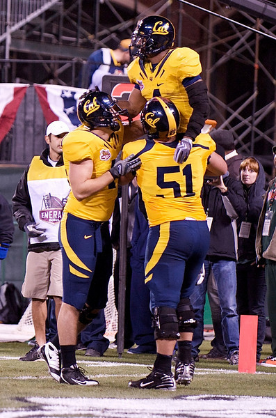 27 December 2008:  California Golden Bears running back Jahvid Best (4) celebrates a first half touchdown in the 2008 Emerald Bowl between the Golden Bears and the Miami Hurricanes at AT&T Park in San Francisco, California.  The Golden Bears prevailed 24-17 over the Hurricanes.