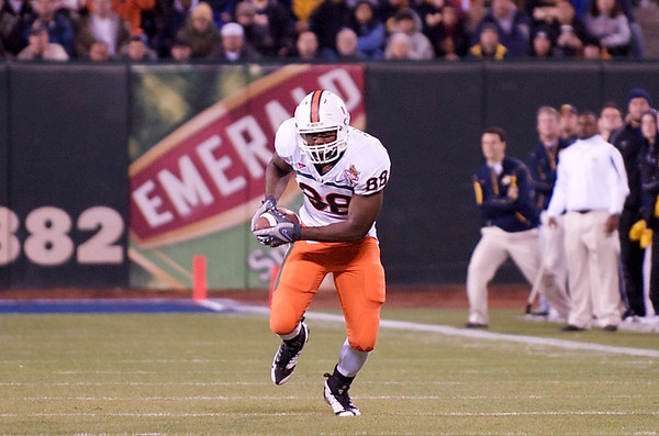 27 December 2008:  Miami Hurricanes tight end Chris Zellner (88) makes a first down catch during the first half of the 2008 Emerald Bowl between the California Golden Bears and the Hurricanes at AT&T Park in San Francisco, California.  The Golden Bears prevailed 24-17 over the Hurricanes.