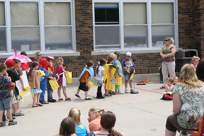 Washington Elementary Vocabulary Parade