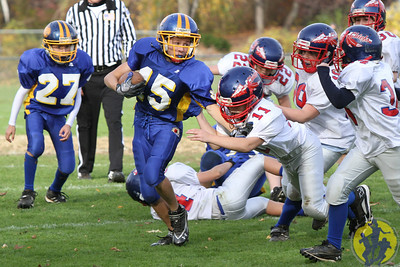 Congratulations to the Brookfield Pee Wee football team on their dominating win over Nonnewaug! Great way to end the season, boys!  Click here to check out some of the action from their game!