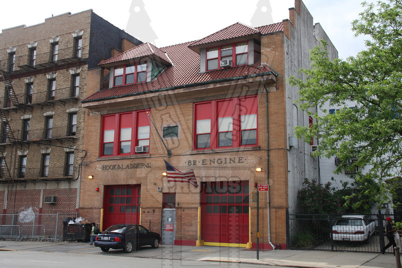 REPORT FROM ENGINE CO. 82 EPUB