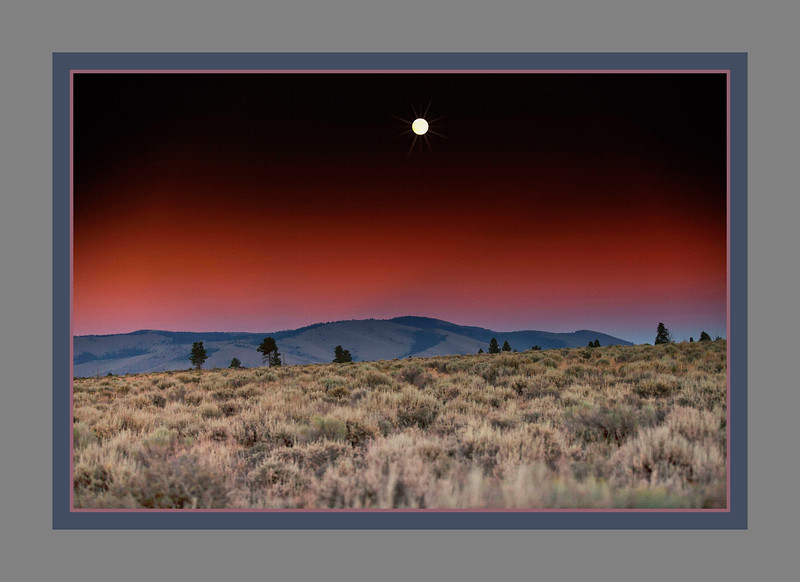 Moon over Pine Mountain<br /> Deschutes National Forest<br /> Oregon