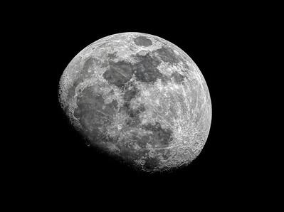 FZ200 Moons
