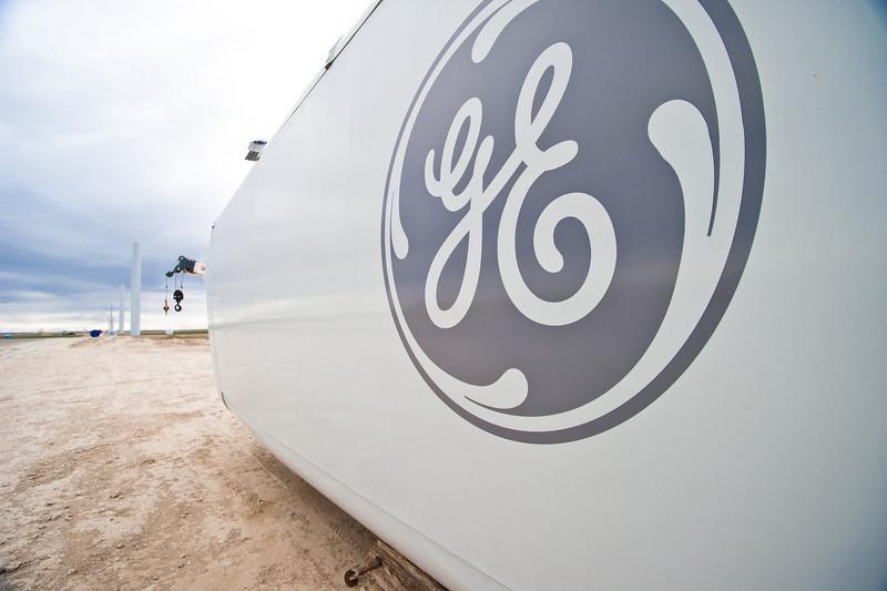 Fagen Construction installs wind turbines near Hagerman Idaho - GE General Electric