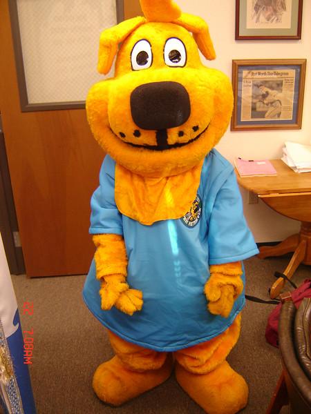 Pepper the Paper Retriver(aka Carter) kicks of TCA's recycling program at orientation