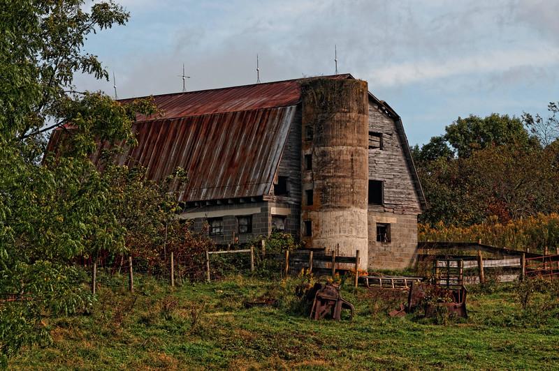 Barn and Silo, Hwy 113