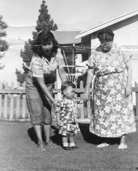 Mom, me & Grandma