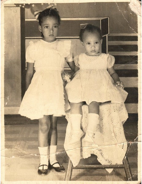 My mother and her younger sister, my Tia Rossy.