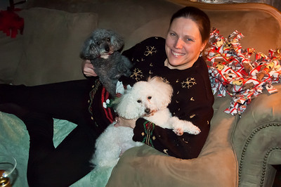 Another shot of Linda, Rizzi and Kerby bonding during Christmas 2010