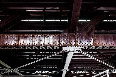 2016.10.17 - Chicago - architectural boat tour - underneath bridge