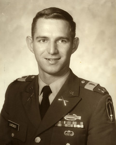 Captain Steve Gardner (Dad), Jan 1970 -US Army