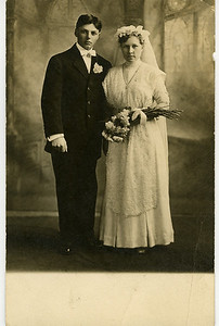 Walter & Ester Anderson (Great Grandparents) 1912
