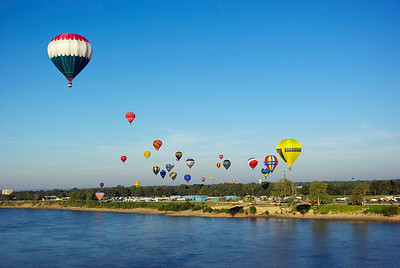 Balloons over the Mississippi