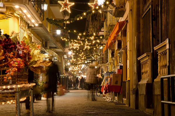 Christmas shopping in Sorrento - December 2011