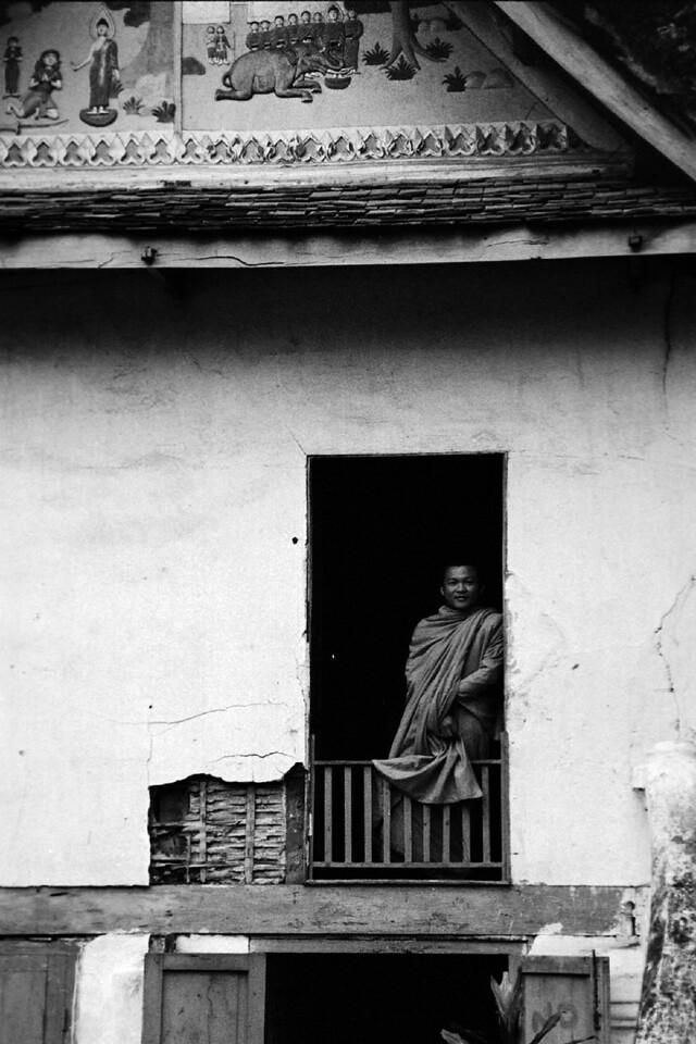 laos -monk 8
