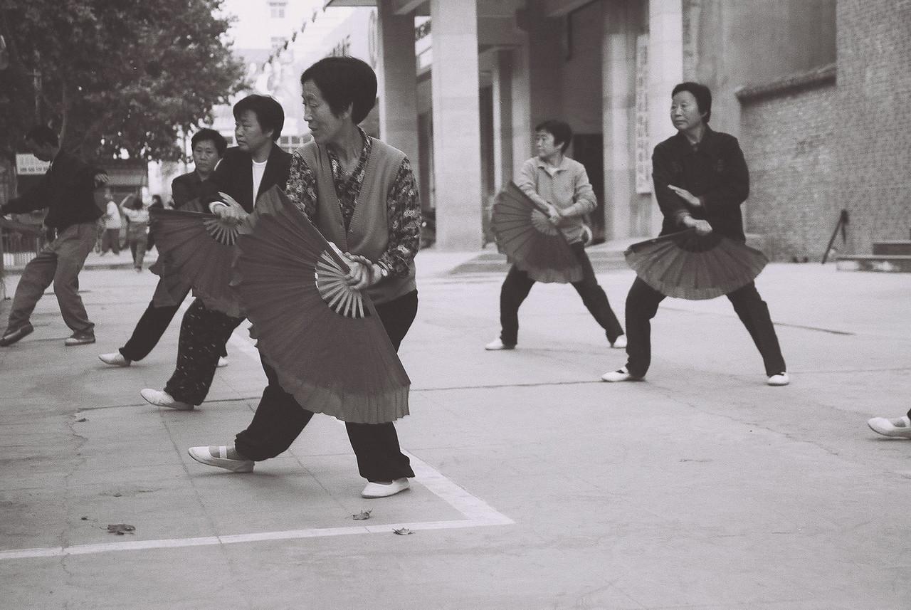 china -fan dancers 5