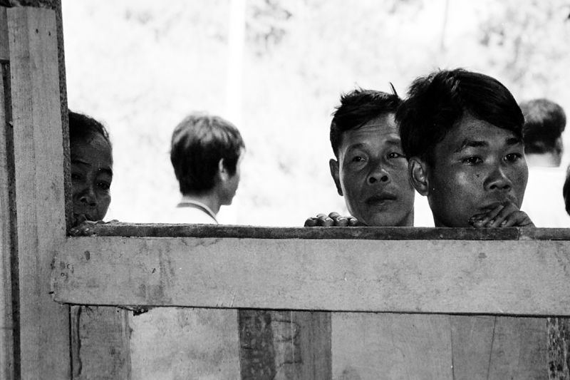 laos -people watching 1