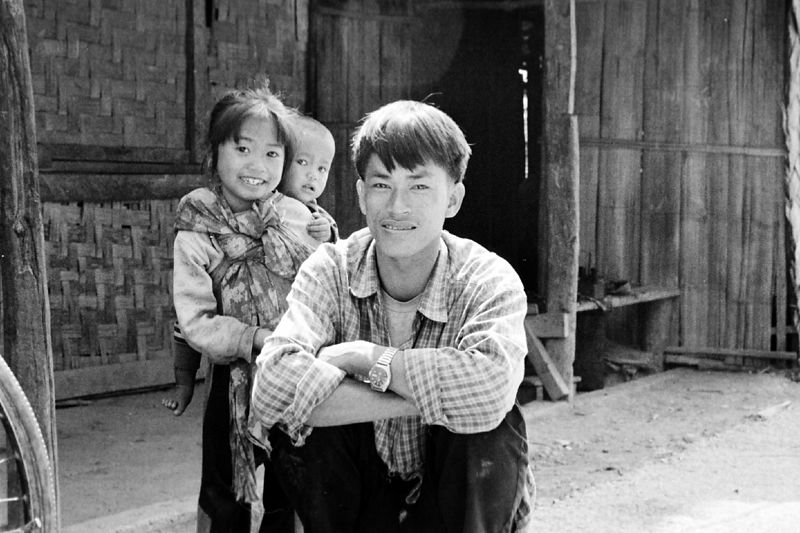 laos -father and kids(wristwatch)