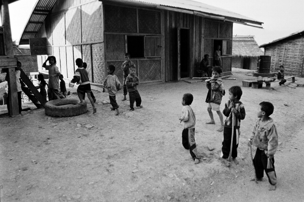 laos -village kids with tyre 2