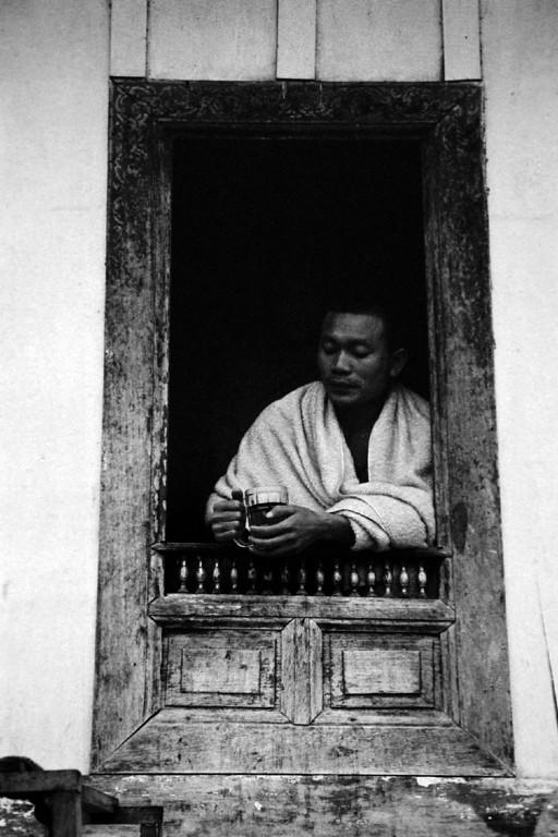 laos -monk 4
