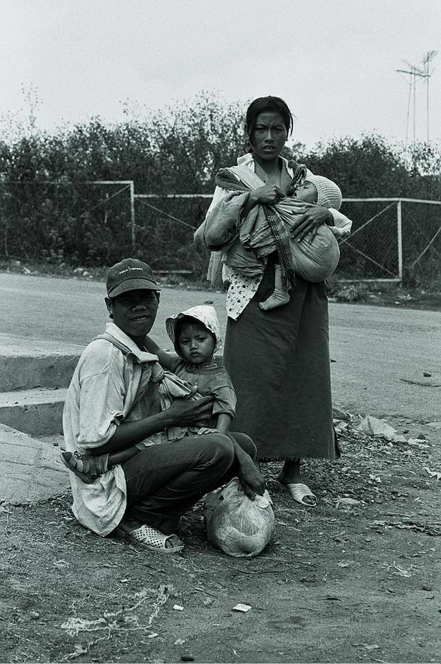 vietnam - family at roadside