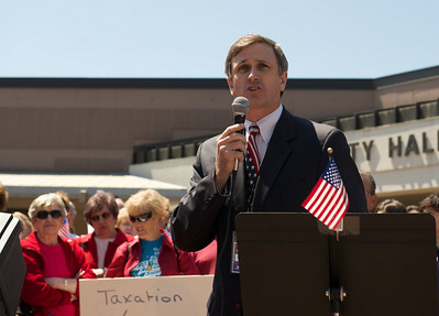 Speaker at a 2009 PTC tea party
