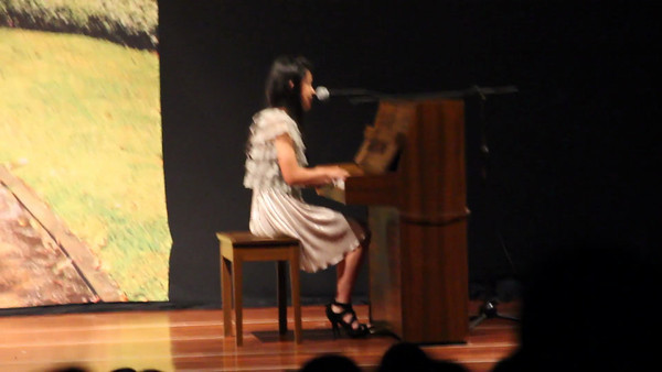 Festival de la canción - Camila
