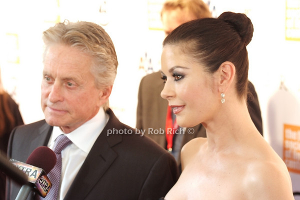 Michael Douglas, Catherine Zeta Jones<br /> photo by Rob Rich © 2010 robwayne1@aol.com 516-676-3939