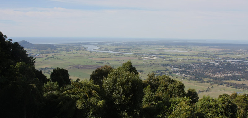 Cambewarra lookout and restaurant overlooking Bomaderry and the Shoalhaven River
