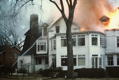 Fire on Melrose Av., Kenilworth, IL