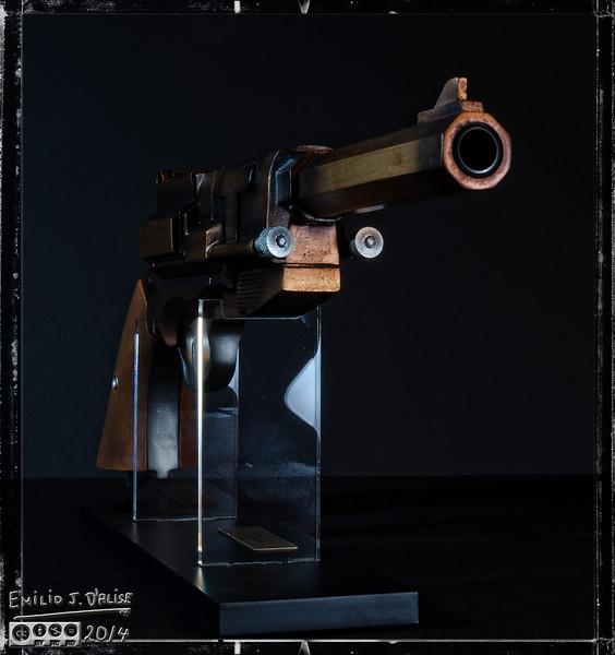 "<a href=""http://store.qmxonline.com/Malcolm-Reynolds-Metal-Plated-Pistol-Replica_p_160.html"">http://store.qmxonline.com/Malcolm-Reynolds-Metal-Plated-Pistol-Replica_p_160.html</a>"