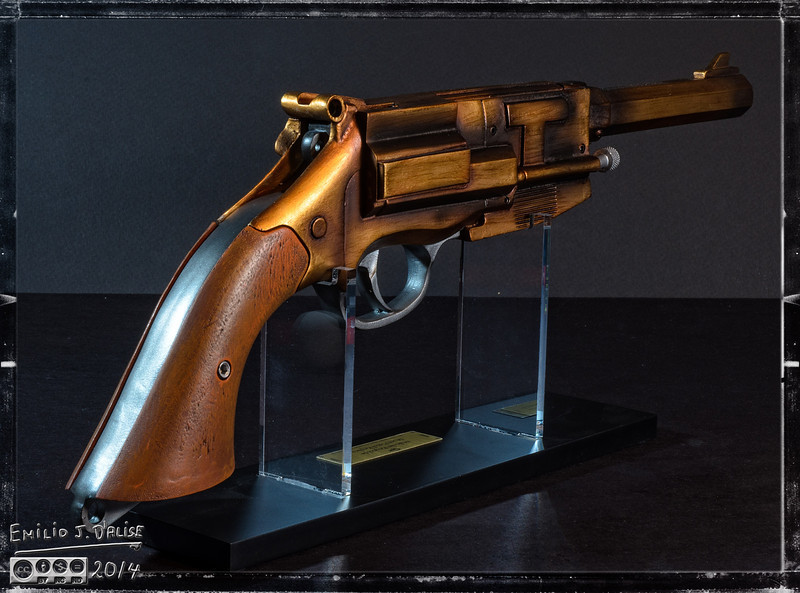"<a href=""http://store.qmxonline.com/Malcolm-Reynolds-Metal-Plated-Pistol-Replica_p_160.html"">http://store.qmxonline.com/Malcolm-Reynolds-Metal-Plated-Pistol-Replica_p_160.html</a>"
