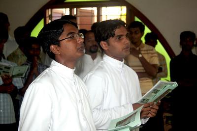 Left:  Ravi Kumar Dasari, 23 years old, from Eamani Parish, Vallabhapuram, state of Andhra Pradesh.  He became a candidate in 2005 via the program for Senior Aspirants, Aluva, Kerala.  Right:  Raju Dumala, 22 years old, from St. Joseph's Parish, Kanaparru, state of Andhra Pradesh.  He became a candidate in 2003, at Dehon Prema Nilayam seminary, Gorantla, Andhra Pradesh.