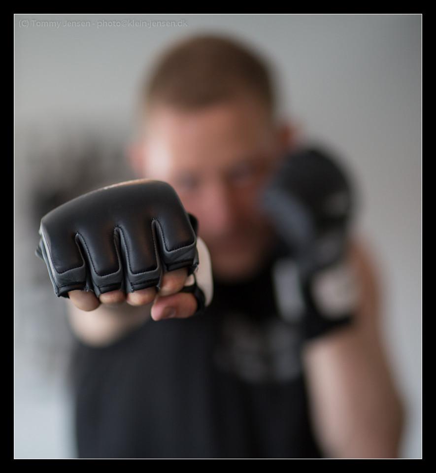 IMAGE: http://photos.klein-jensen.dk/Other/Fitness-World/Michael-Christensen/i-ng5TJm2/0/X2/4S2C2641-X2.jpg