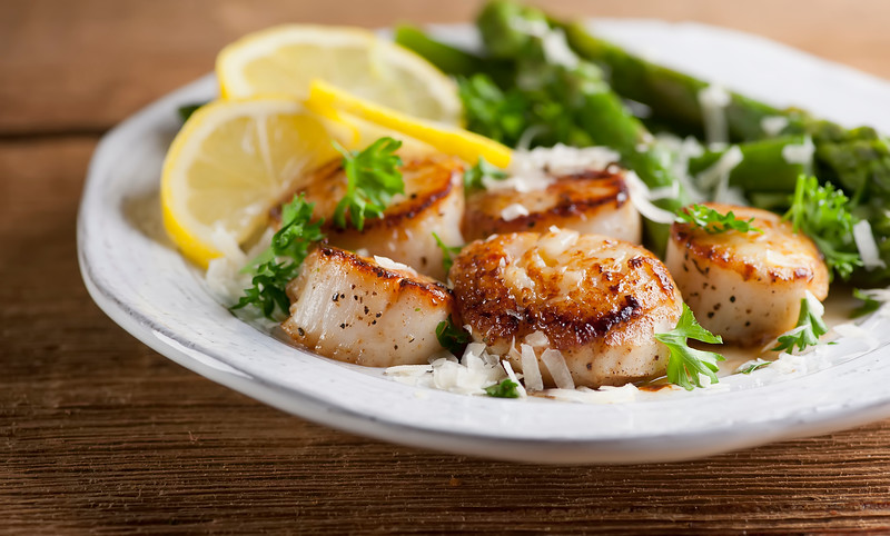 Scallops in Lemon Butter Sauce