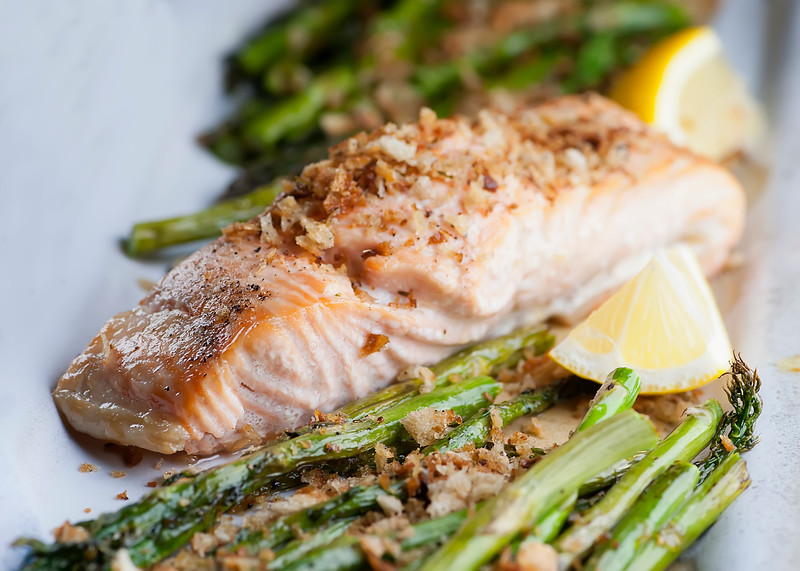 salmon and asparagus with bread crumbs